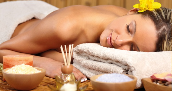 Taksim Sed Hotel Diamond Spa&Massage'da masaj seçenekleri, tüm gün SPA kullanımı ve sıcak içecek ikramı 49 TL'den başlayan fiyatlarla! Fırsatın geçerlilik tarihi için DETAYLAR bölümünü inceleyiniz. Alimfa Spa haftanın her günü 11.00-23.00 saatleri arasında hizmet vermektedir. Tüm gün SPA kullanımı ve ıslak alan kullanımı dahildir.