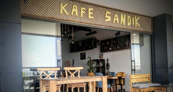 Urla Bamboo Avm Kafe Sandık'ta sınırsız çay ve enfes lezzetlerden oluşan ev kahvaltısı 22,90 TL! Fırsatın geçerlilik tarihi için DETAYLAR bölümünü inceleyiniz.