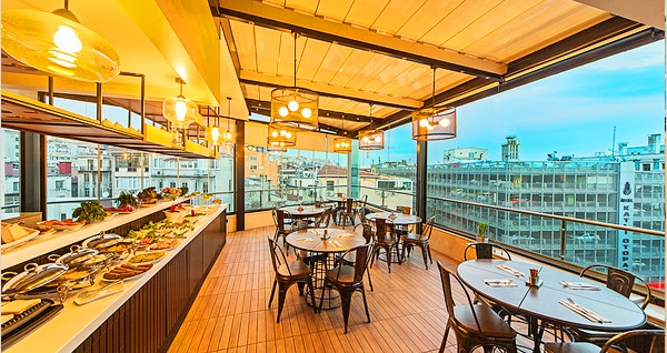 Ada Karaköy Hotel Teras Restaurant'ta tarihi yarımada manzaralı açık büfe kahvaltı keyfi 34,90 TL Fırsatın geçerlilik tarihi için DETAYLAR bölümünü inceleyiniz.