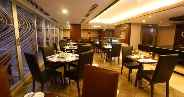 Ankara'nın güler yüzlü adresi Notte Hotel'de çift kişilik 1 gece konaklama ve spa keyfi 290 TL yerine 169 TL! Fırsatın geçerlilik tarihi için DETAYLAR bölümünü inceleyiniz.