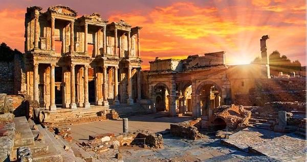 2 gün 1 gece konaklamalı Efes, Şirince, Ayvalık, Cunda turu Malitur ile kişi başı 369 TL'den başlayan fiyatlarla! Fırsatın geçerlilik tarihi için DETAYLAR bölümünü inceleyiniz.