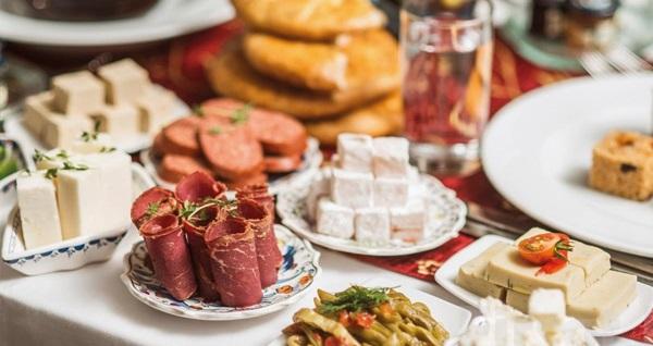 Şeker Bayramı'nda da geçerli Etimesgut Laçin Park Hotel'de kahvaltı dahil 1 gece konaklama seçenekleri 125 TL'den başlayan fiyatlarla! Fırsatın geçerlilik tarihi için, DETAYLAR bölümünü inceleyiniz.