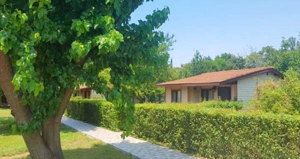 İstanbul'un yemyeşil komşusu Yalova Termal Green Garden'ın jakuzili bungalov odalarında Bayramda da geçerli kahvaltı dahil çift kişilik 1 gece konaklama 249 TL'den başlayan fiyatlarla! Fırsatın geçerlilik tarihi için, DETAYLAR bölümünü inceleyiniz.
