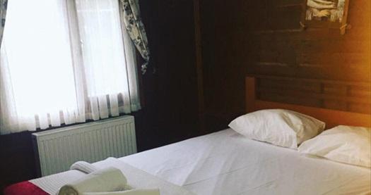İstanbul'un yemyeşil komşusu Yalova Termal Green Garden'ın jakuzili bungalov odalarında kahvaltı dahil çift kişilik 1 gece konaklama 400 TL'den başlayan fiyatlarla! Fırsatın geçerlilik tarihi için, DETAYLAR bölümünü inceleyiniz.