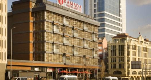 Ramada Hotel & Suites İstanbul Şişli'de kahvaltı dahil çift kişilik 1 gece konaklama 199 TL'den başlayan fiyatlarla! Fırsatın geçerlilik tarihi için, DETAYLAR bölümünü inceleyiniz.