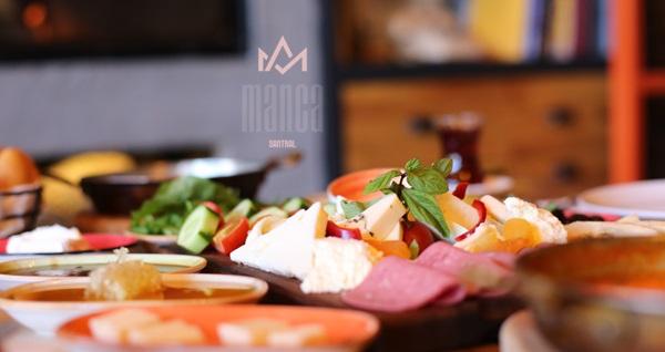 Manca Cafe Restaurant'ta sınırsız çay eşliğinde kahvaltı seçenekleri 35 TL'den başlayan fiyatlarla! Fırsatın geçerlilik tarihi için DETAYLAR bölümünü inceleyiniz.