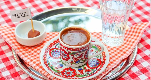 Bakırköy The Luzz Brasserie'de serpme kahvaltı (Dolu dolu mutluluk) + Türk kahvesi (Kişi başı) 46,50 TL! Fırsatın geçerlilik tarihi için DETAYLAR bölümünü inceleyiniz.