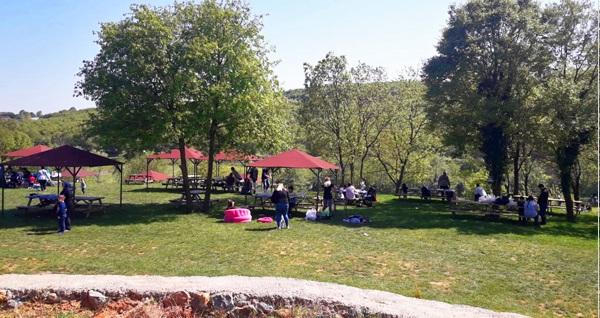 Polonezköy Gülpark'da yeşillikler içinde semaver eşliğinde kahvaltı 34,90 TL! Fırsatın geçerlilik tarihi için DETAYLAR bölümünü inceleyiniz.