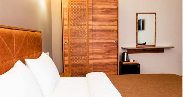 Beyoğlu Madame Roza Hotel'de 1 gece konaklama seçenekleri 109 TL'den başlayan fiyatlarla! Fırsatın geçerlilik tarihi için DETAYLAR bölümünü inceleyiniz.