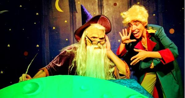 """Çocukların minik kahramanı ''Küçük Prens'' tiyatro oyununa biletler 34 TL yerine 20 TL! Tarih ve konum seçimi yapmak için """"Hemen Al"""" butonuna tıklayınız."""