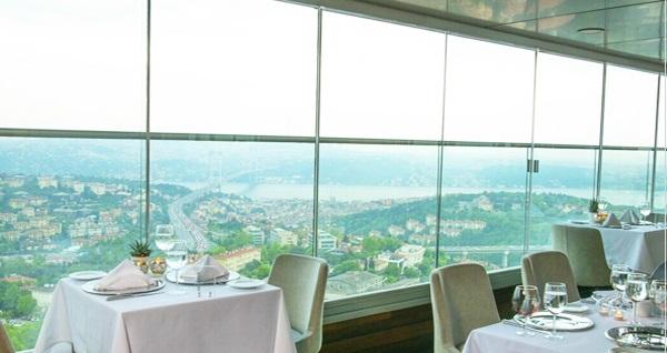 Mercure İstanbul The Plaza Bosphorus Hotel'de Boğaz manzarası eşliğinde enfes akşam yemeği menüsü 195 TL'den başlayan fiyatlarla! Fırsatın geçerlilik tarihi için DETAYLAR bölümünü inceleyiniz.