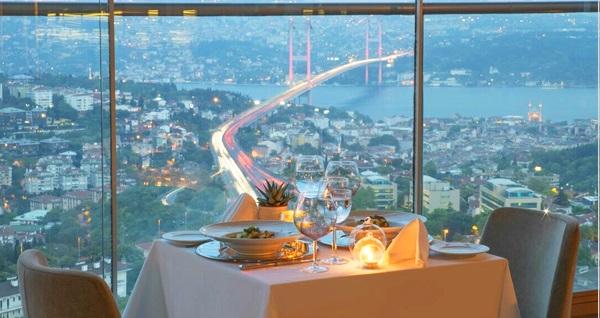 Mercure İstanbul The Plaza Bosphorus Hotel'de Boğaz manzarası eşliğinde enfes akşam yemeği menüsü 215 TL'den başlayan fiyatlarla! Fırsatın geçerlilik tarihi için DETAYLAR bölümünü inceleyiniz.