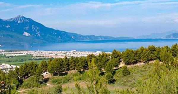 Kuşadası Panorama Restaurant & Cafe'de Samos Adasına nazır Türk kahveli leziz serpme kahvaltı keyfi 35 TL yerine 24 TL! Fırsatın geçerlilik tarihi için DETAYLAR bölümünü inceleyiniz.