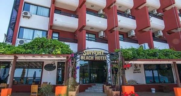 Kuşadası Sunday Beach Hotel'de çift kişilik 1 gece konaklama seçenekleri 250 TL'den başlayan fiyatlarla! Fırsatın geçerlilik tarihi için DETAYLAR bölümünü inceleyiniz.