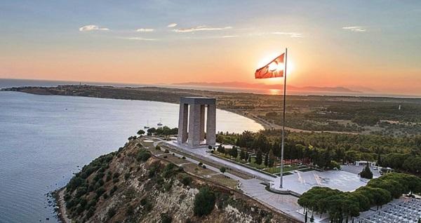 """İzmir çıkışlı günübirlik """"Çanakkale - Şehitlik"""" turu öğle yemeği dahil kişi başı 199 TL! Tur kalkış tarihleri için, DETAYLAR bölümünü inceleyiniz."""