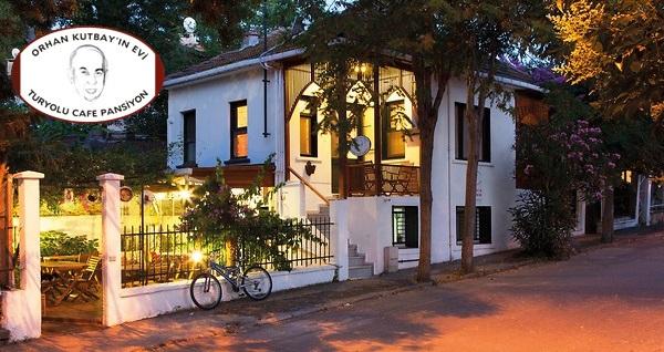 Büyükada Orhan Kutbay'ın Evi Tur Yolu Cafe Pansiyon'da çift kişilik 1 gece konaklama seçenekleri 149 TL'den başlayan fiyatlarla! Fırsatın geçerlilik tarihi için, DETAYLAR bölümünü inceleyiniz.