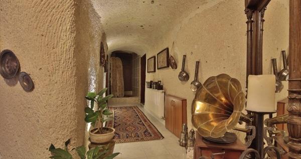 Büyüleyici Kapadokya Turkish Cave House Hotel'in farklı odalarında kahvaltı dahil çift kişilik 1 gece konaklama 249 TL'den başlayan fiyatlarla! Fırsatın geçerlilik tarihi için, DETAYLAR bölümünü inceleyiniz.