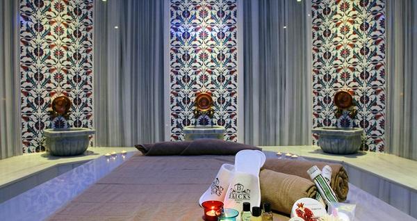 Yenibosna Bricks Airport Hotel Istanbul'da tek veya çift kişilik 1 gece konaklama keyfi ve ıslak alan kullanımı 295 TL'den başlayan fiyatlarla! Fırsatın geçerlilik tarihi için DETAYLAR bölümünü inceleyiniz.
