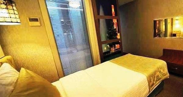 Grand Star Hotel Bosphorus Taksim'de çift kişilik 1 gece konaklama seçenekleri 199 TL'den başlayan fiyatlarla! Fırsatın geçerlilik tarihi için DETAYLAR bölümünü inceleyiniz.