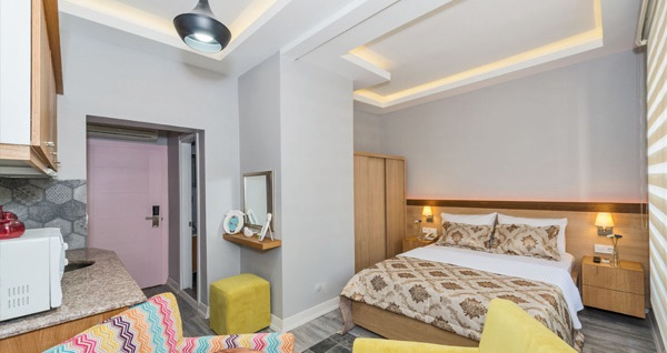 Şeker Bayramı'nda da geçerli Taksim Cirrus Suites Tomtom'da çift kişilik 1 gece konaklama keyfi 159 TL'den başlayan fiyatlarla! Fırsatın geçerlilik tarihi için, DETAYLAR bölümünü inceleyiniz.