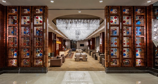 DoubleTree by Hilton Istanbul Topkapı'nın yerel lezzetleri ile Turkuaz Restaurant'ta tasavvuf müziği eşliğinde açık büfe iftar keyfi 99 TL'den başlayan fiyatlarla! Bu fırsat 11 Mayıs - 3 Haziran 2019 tarihleri arasında, iftar saatinde geçerlidir.