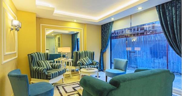 Beyoğlu Pera Arya Hotel'de 1 gece konaklama seçenekleri 185 TL'den başlayan fiyatlarla! Fırsatın geçerlilik tarihi için DETAYLAR bölümünü inceleyiniz.