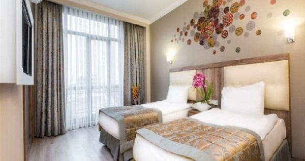 Yılbaşında da geçerli Şişli Fatih Corner Hotel'de kahvaltı dahil çift kişilik 1 gece konaklama 179 TL'den başlayan fiyatlarla! Fırsatın geçerlilik tarihi için DETAYLAR bölümünü inceleyiniz.