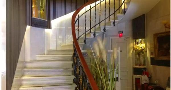 Taksim Star Hotel'de çift kişilik 1 gece konaklama seçenekleri 179 TL'den başlayan fiyatlarla! Fırsatın geçerlilik tarihi için DETAYLAR bölümünü inceleyiniz.