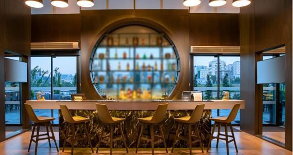 Centro WestSide Istanbul by Rotana Hotel'de 1 gece çift kişilik konaklama seçenekleri 297 TL'den başlayan fiyatlarla! Fırsatın geçerlilik tarihi için DETAYLAR bölümünü inceleyiniz.