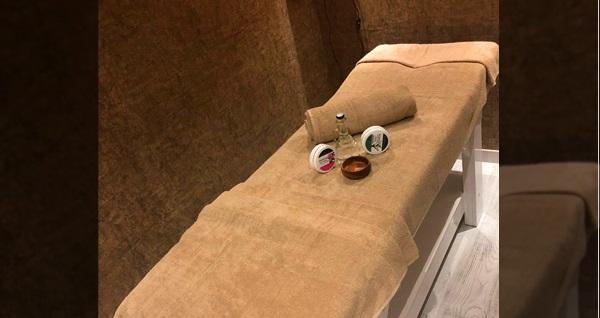 Aliss Spa Nupelda Bosphorus Otel'de masaj, kese-köpük, ıslak alan kullanımı ve sıcak içecek ikramı 99 TL'den başlayan fiyatlarla! Fırsatın geçerlilik tarihi için DETAYLAR bölümünü inceleyiniz.