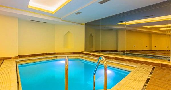 Şişli Lausos Palace Hotel & Initium Spa'da masaj seçenekleri ve spa kullanımı 89 TL'den başlayan fiyatlarla! Fırsatın geçerlilik tarihi için DETAYLAR bölümünü inceleyiniz. Haftanın her günü 11.00-22.00 saatleri arasında geçerlidir.