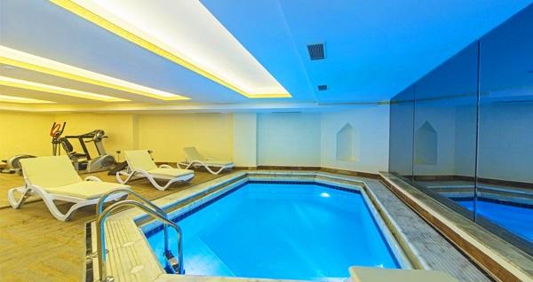 Şişli Lausos Palace Hotel & Initium Spa'da masaj seçenekleri ve spa kullanımı 69 TL'den başlayan fiyatlarla! Fırsatın geçerlilik tarihi için DETAYLAR bölümünü inceleyiniz. Haftanın her günü 11.00-22.00 saatleri arasında geçerlidir.