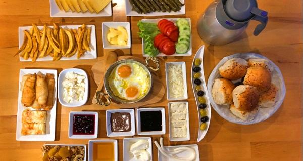 Kasap İlyas Steakhouse'da enfes kahvaltı keyfi kişi başı 16 TL'den başlayan fiyatlarla! Fırsatın geçerlilik tarihi için DETAYLAR bölümünü inceleyiniz.