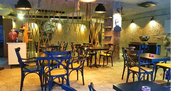Galata'nın tarihi yapısı eşliğinde Art Smyrna Cafe'de yemek menüleri 66 TL'den başlayan fiyatlarla! Fırsatın geçerlilik tarihi için DETAYLAR bölümünü inceleyiniz.