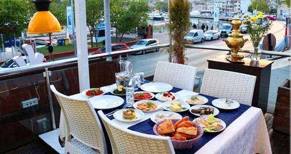 Saffran Restaurant'ta deniz manzarası eşliğinde zengin iftar menüsü 75 TL! Bu fırsat 6 Mayıs - 3 Haziran 2019 tarihleri arasında, iftar saatinde geçerlidir.