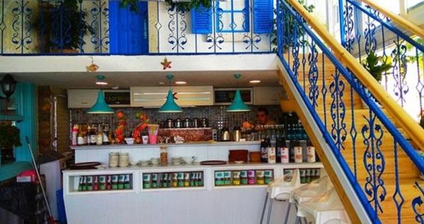 Alaçatı Muhallebicisi Tuzla sahil şubesinde enfes iftar menüleri 65 TL'den başlayan fiyatlarla! Bu fırsat 6 Mayıs - 3 Haziran 2019 tarihleri arasında, iftar saatinde geçerlidir.