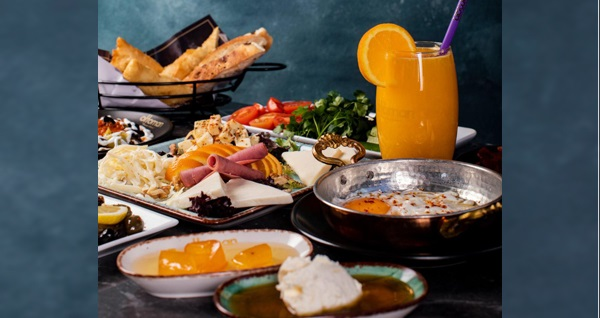 Güzelyalı Ottoman Nargile Atölyesi'nde zengin içerikli serpme kahvaltı kişi başı 24,90 TL! Fırsatın geçerlilik tarihi için DETAYLAR bölümünü inceleyiniz.