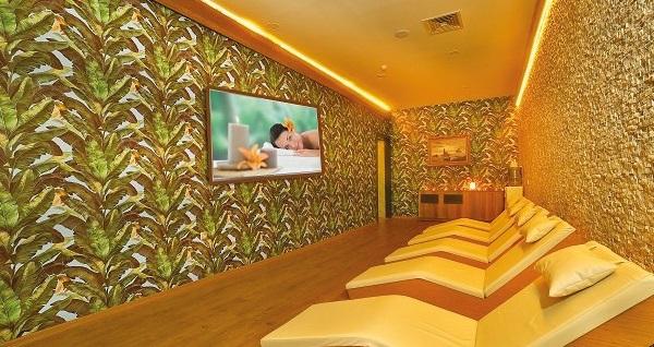 Beyoğlu Lion Hotel Tuana Spa'da ruhunuza dokunan masaj paketleri 69 TL'den başlayan fiyatlarla! Fırsatın geçerlilik tarihi için DETAYLAR bölümünü inceleyiniz.