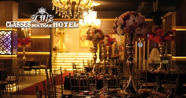 Anadolu yakasının gözdesi Pendik Classes Boutique Hotel'de yılbaşına özel gala programı ve konaklama seçenekleri 279 TL'den başlayan fiyatlarla! Fırsatın geçerlilik tarihi için, DETAYLAR bölümünü inceleyiniz.