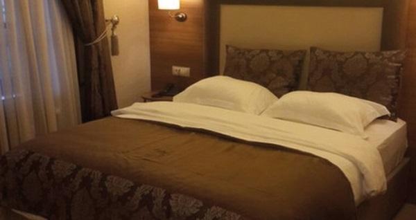 Tarihi İçmeler Termal Hotel'de çift kişilik 1 gece konaklama seçenekleri 159 TL'den başlayan fiyatlarla! Fırsatın geçerlilik tarihi için, DETAYLAR bölümünü inceleyiniz.