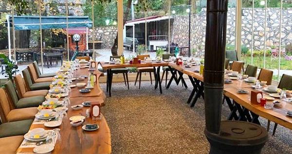Osmangazi Doburca Park Restaurant'ta sınırsız çay eşliğinde kahvaltı seçenekleri kişi başı 19,90 TL'den başlayan fiyatlarla! Fırsatın geçerlilik tarihi için, DETAYLAR bölümünü inceleyiniz.