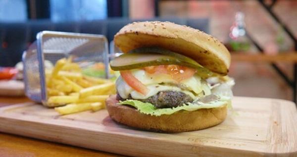 Sansiro Botanik Cafe'de öğlen veya akşam yemeği menüleri 22 TL'den başlayan fiyatlarla! Fırsatın geçerlilik tarihi için DETAYLAR bölümünü inceleyiniz.