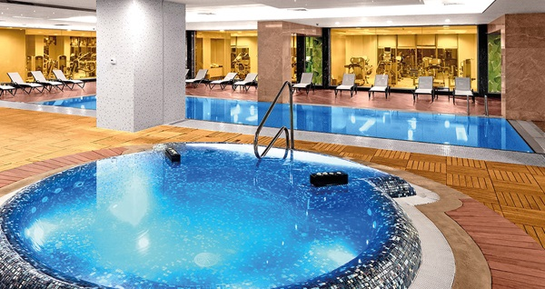 5* The Green Park Pendik Hotel'de açık havuz kullanımı 89 TL'den başlayan fiyatlarla! Fırsatın geçerlilik tarihi için DETAYLAR bölümünü inceleyiniz.