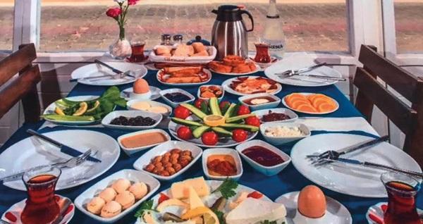 Çiftlikköy Golden Butik Otel'de kahvaltı dahil çift kişilik 1 gece konaklama seçenekleri 189 TL'den başlayan fiyatlarla! Fırsatın geçerlilik tarihi için, DETAYLAR bölümünü inceleyiniz.