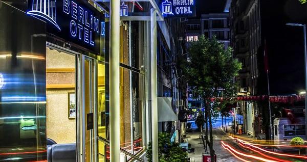 Berlin Hotel Nişantaşı'nda kahvaltı dahil 1 gece konaklama seçenekleri 169 TL'den başlayan fiyatlarla! Fırsatın geçerlilik tarihi için, DETAYLAR bölümünü inceleyiniz.