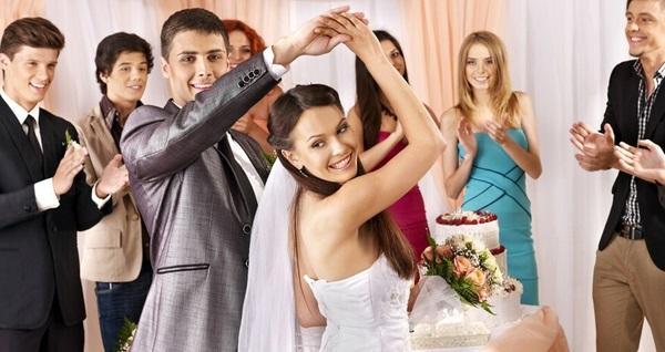 Pera Akademi Stüdyo'dan çift kişilik düğün dansı ve özel dans eğitimi 1.000 TL yerine 449 TL! Fırsatın geçerlilik tarihi için DETAYLAR bölümünü inceleyiniz.