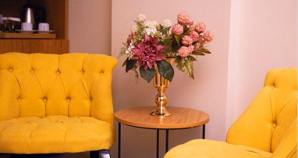 Karamans Sirkeci Suites Hotel'de çift kişilik 1 gece konaklama seçenekleri 209 TL'den başlayan fiyatlarla! Fırsatın geçerlilik tarihi için DETAYLAR bölümünü inceleyiniz.