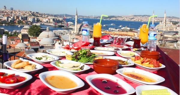 Süleymaniye Şehr-i Saadet Cafe'de İstanbul manzarasına nazır serpme kahvaltı 28,90 TL! Fırsatın geçerlilik tarihi için DETAYLAR bölümünü inceleyiniz.