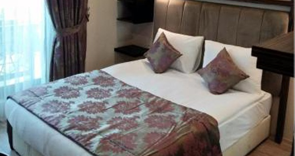 Actuel Life Hotel Şişli'de tek/çif kişilik konaklama seçenekleri 159 TL'den başlayan fiyatlarla! Fırsatın geçerlilik tarihi için DETAYLAR bölümünü inceleyiniz.