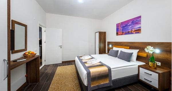 Antalya Grand Güllük Hotel'de kahvaltı dahil çift kişilik kahvaltı dahil konaklama 220 TL! Fırsatın geçerlilik tarihi için DETAYLAR bölümünü inceleyiniz.